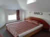 Малък апартамент спалня