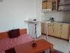 Малък апартамент кухн. бокс